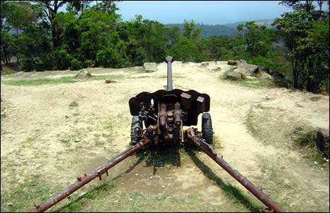A large artillery gun left behind by the Khmer Rouge