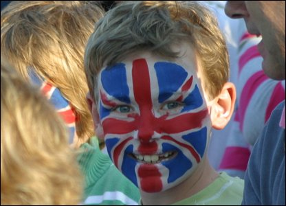 British fan with face painted