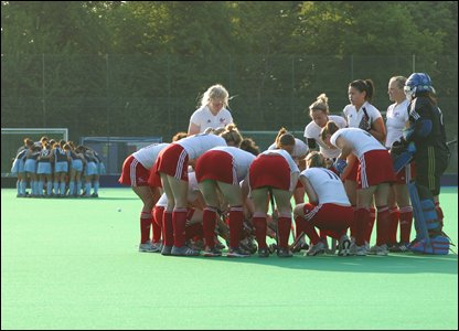Britain huddle before the start