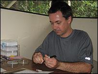 Shawn MacKracken, biólogo