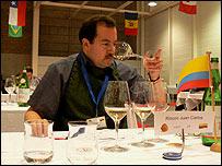 Juan Carlos Rincón, experto en vino de BBC Mundo