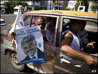 Simpatizantes del candidadto Miguel Vargas Maldonado, candidato del Partido Revolucionario Dominicano