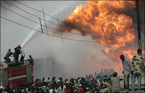 Firemen fighting the flames, Lagos, Nigeria  (15 May 2008)