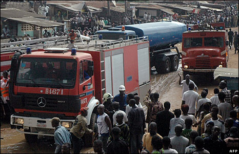 Fire engines at the scene of the explosion, Lagos, Nigeria  (15 May 2008)