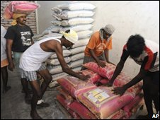 Rice loaded from shop in Chennai to be sent to Burma - photo 13 May