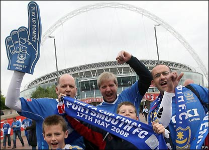Pompey fans arrive at Wembley