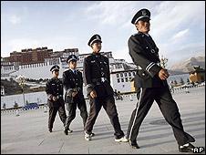 Police patrol Lhasa