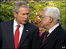 George W Bush (left) with Mahmoud Abbas in Sharm el-Sheikh on 17 May