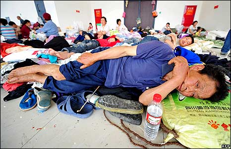 Man sleeping at Beichuan relief centre 18/5/08