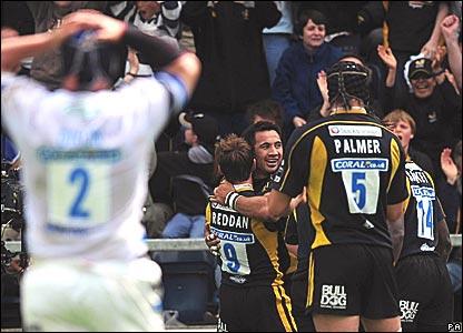 Riki Flutey, Wasps, celebrates