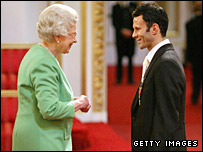 Ryan Giggs receives an OBE from The Queen in 2007