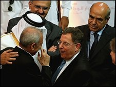 Lebanese Prime Minister Fouad Siniora, centre, Parliament Speaker Nabih Berri, left, and other Lebanese politicians in Doha on 21 May 2008