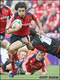 Doug Howlett takes on the defence during the Heineken Cup semi-final win over Saracens