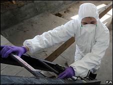 Forensics expert at Haut de la Garenne