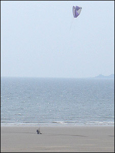 A para-kiter practices and trains on Aberavon beach