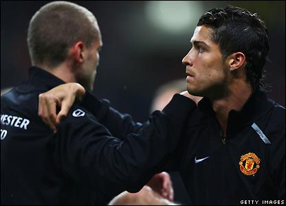 Man Utd's players prepare for kick-off
