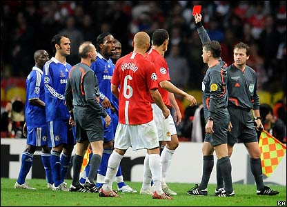 Drogba gets sent off