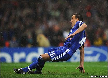 Qui va gagné la Champions League 2008 ??? _44678559_terry2_getty416