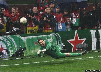Qui va gagné la Champions League 2008 ??? _44678561_anelka_getty416