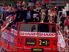 Manchester United homecoming parade in 1999