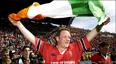 Mick Galwey celebrates after Munster beat Castres to reach the 2002 Heineken Cup final