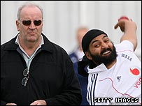Darrell Hair and Monty Panesar in the Old Trafford nets