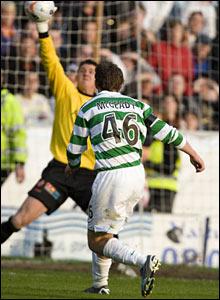 Celtic winger Aiden McGeady comes close to scoring