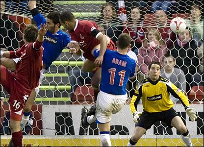 Aberdeen take the lead against Rangers