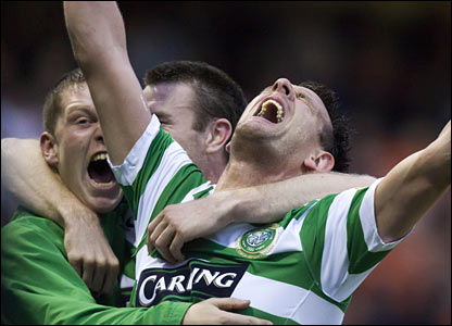 Celtic striker Jan Vennegoor of Hesslelink is elated with his goal