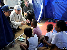Ban Ki-moon in Kyonday relief camp, Burma - 22/5/2008