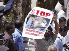 Journalists protest in Colombo