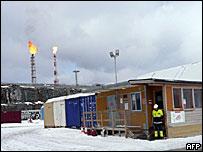 Нефтяные вышки в Арктике