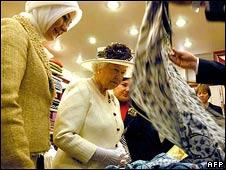 Queen in fabric shop in Turkey