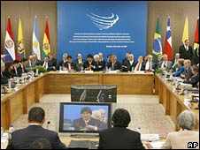 Unasur summit in Brasilia on 23 May 2008