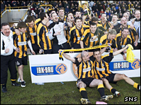 East Fife celebrate their Division Three title win