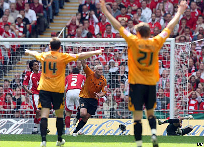 Dean Windass scores the opening goal for Hull City