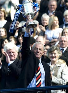 Rangers manager Walter Smith with the Scottish Cup
