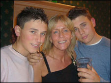 Robert Knox (right) with his mother Sally and younger brother Jamie, 17