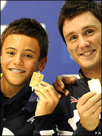 Tom Daley (left) and Blake Aldridge show off their gold medals