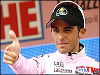 Alberto Contador takes the pink jersey after 15 stages