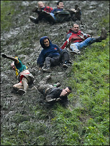 Cheese-rolling 2008 style