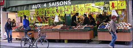 A French grocer's shop in Paris