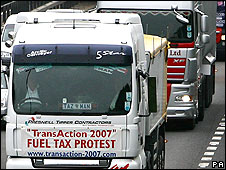 Lorries in protest convoy