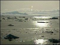 Salida del sol en el Ártico
