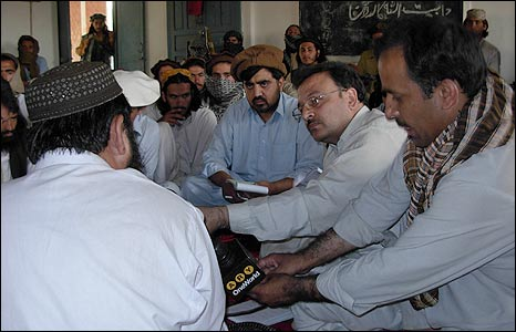 Baitullah Mehsud talks to journalists
