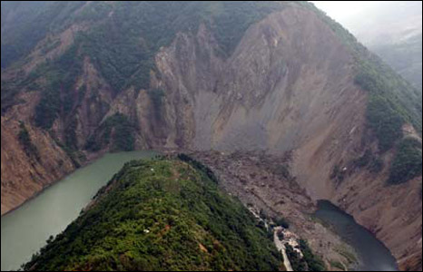 Landslide that has formed Tangjiashan lake, Beichuan, China (Image: Xinhua)