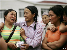 Earthquake refugee camp in Sichuan province 27-5-08