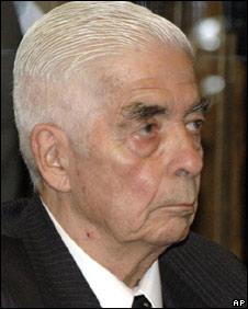 Luciano Benjamin Menendez in court in Cordoba, 27 May 2008
