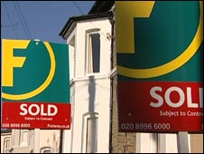 Foxtons sold boards