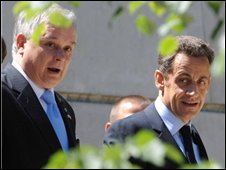 French President Nicolas Sarkozy, right, and Polish President Lech Kaczynski